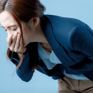 生理中や生理前におこる吐き気とは?原因やつらい症状の対処方法を解説